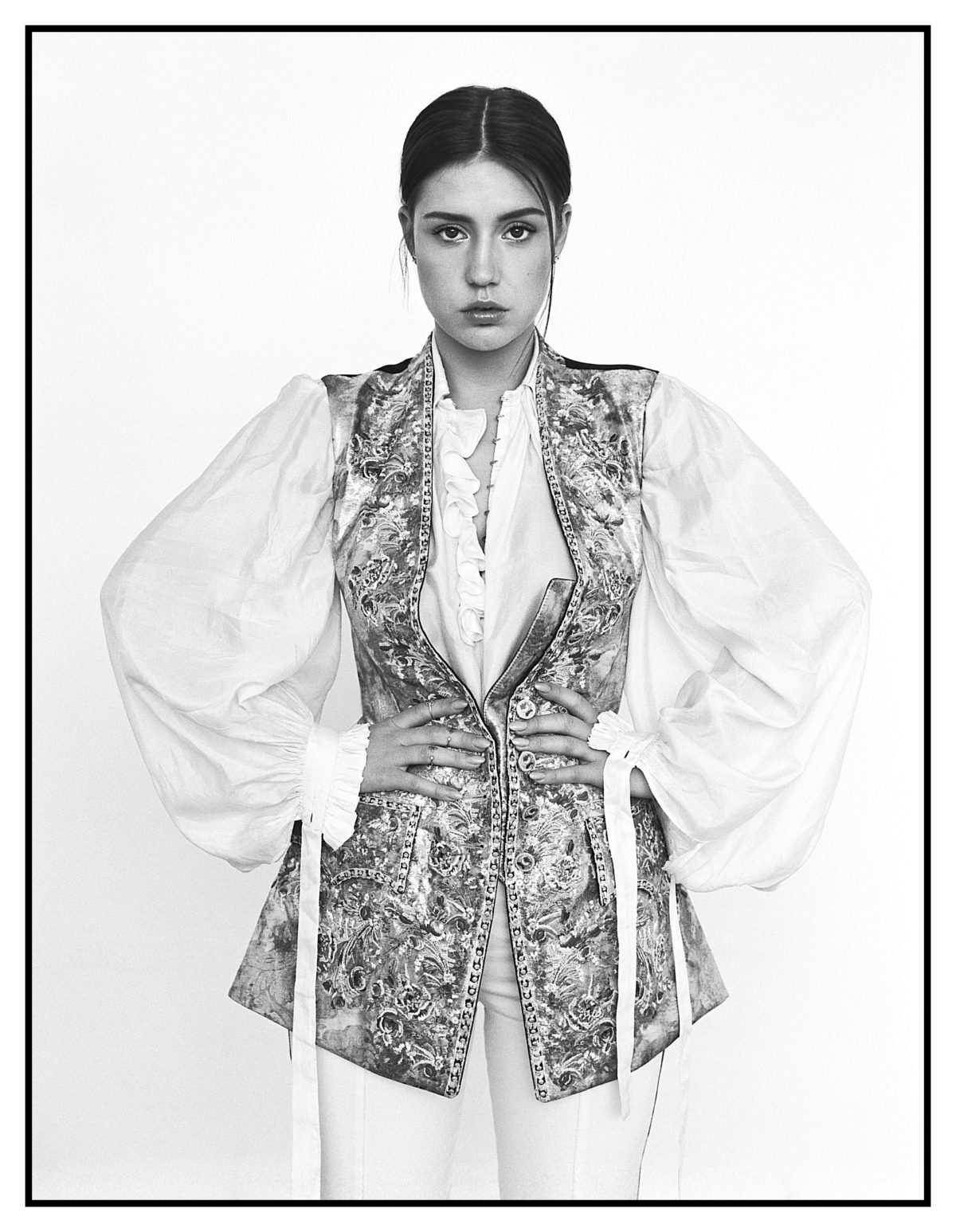 Adele Exarchopoulos (c) Stéphanie Volpato - style Arthur Mayadoux - Harper's Bazaar Brazil